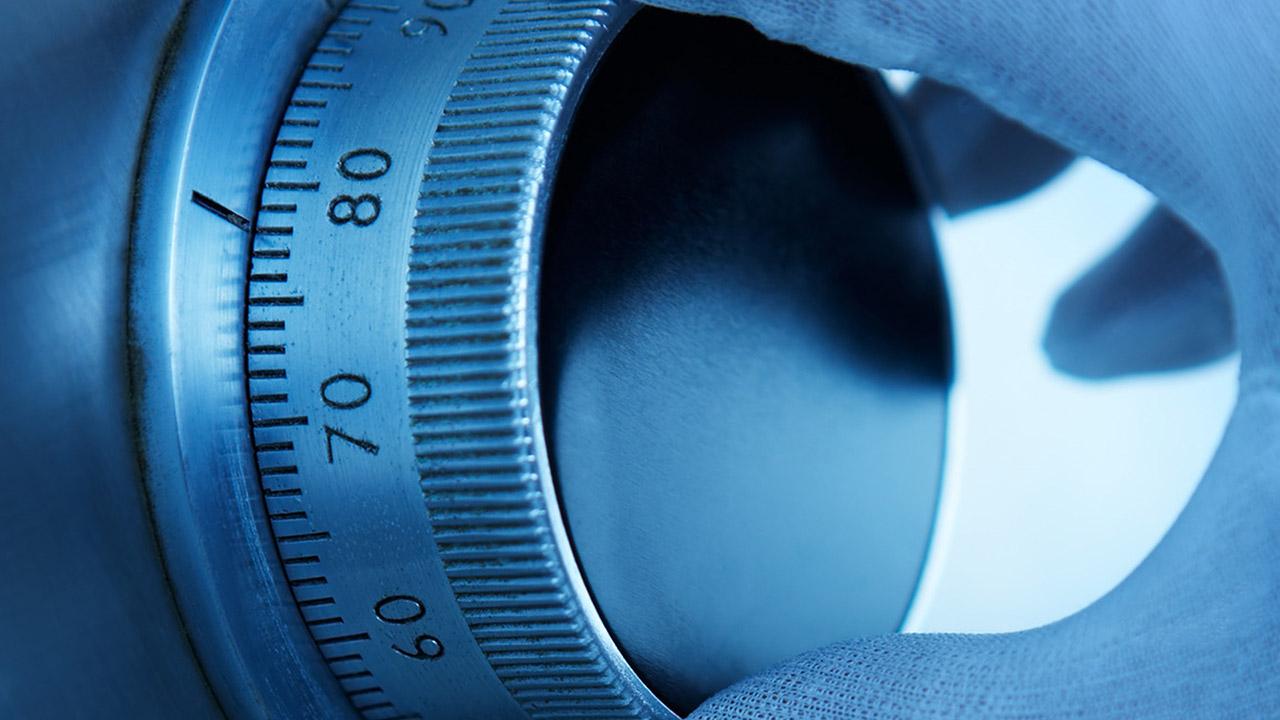 download-photodune-1564918-safe-lock-m
